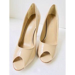 Aldo • Nude Patent Leather Peep Toe Heels 39